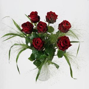 Rote Rosen ausgarniert