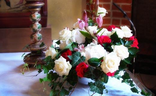 Zur Hochzeit wunderschne Blumen Strusse Gestecke Rosenbltter uva von Blumen Olli