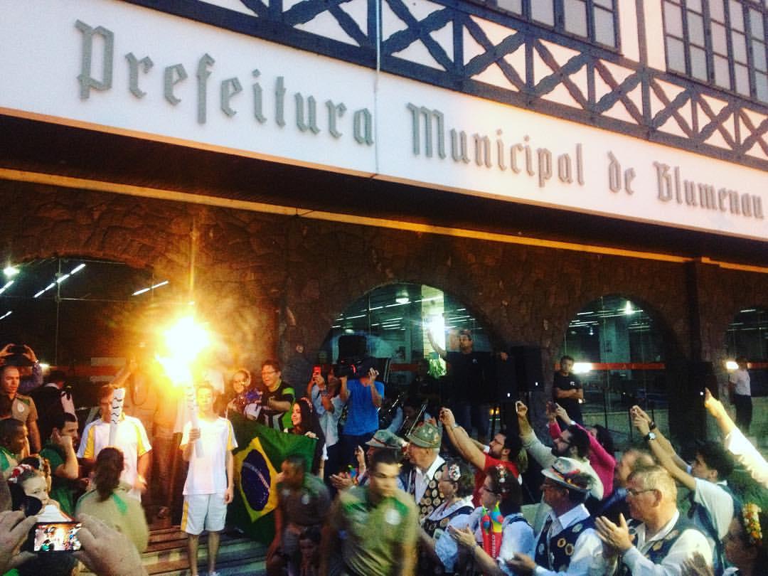 Tocha Olímpica passa por Blumenau
