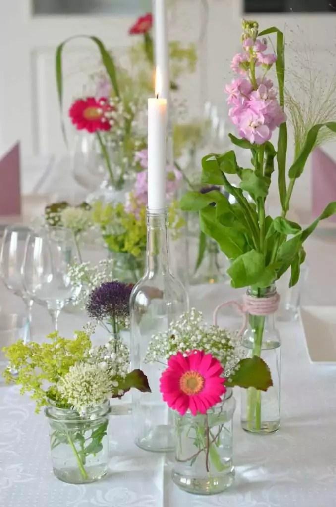 Blumendeko Lange Tafel