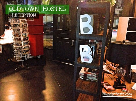 bangkok-thailand-oldtown-hostel-reception