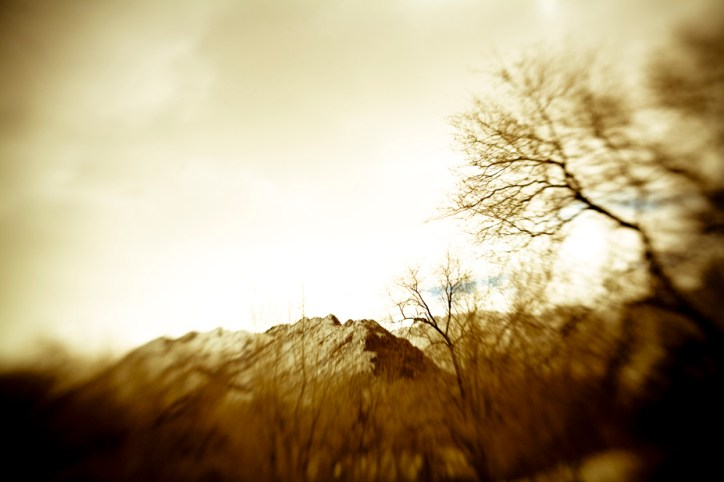 Lensbaby Mountain - Sepia Winter | Blurbomat.com