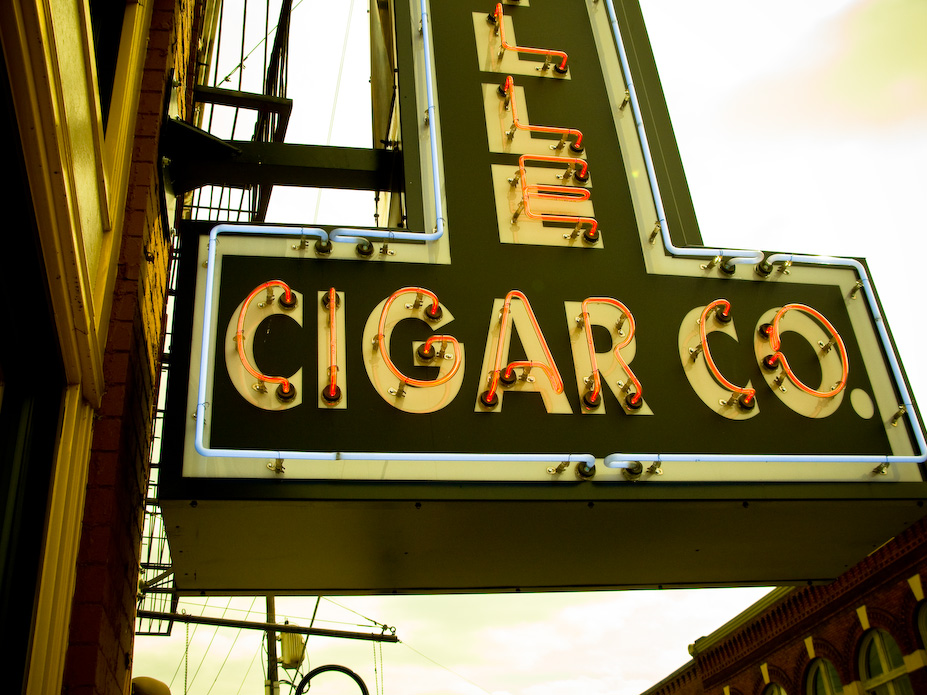 Cigar Neon, Knoxville, Tennessee