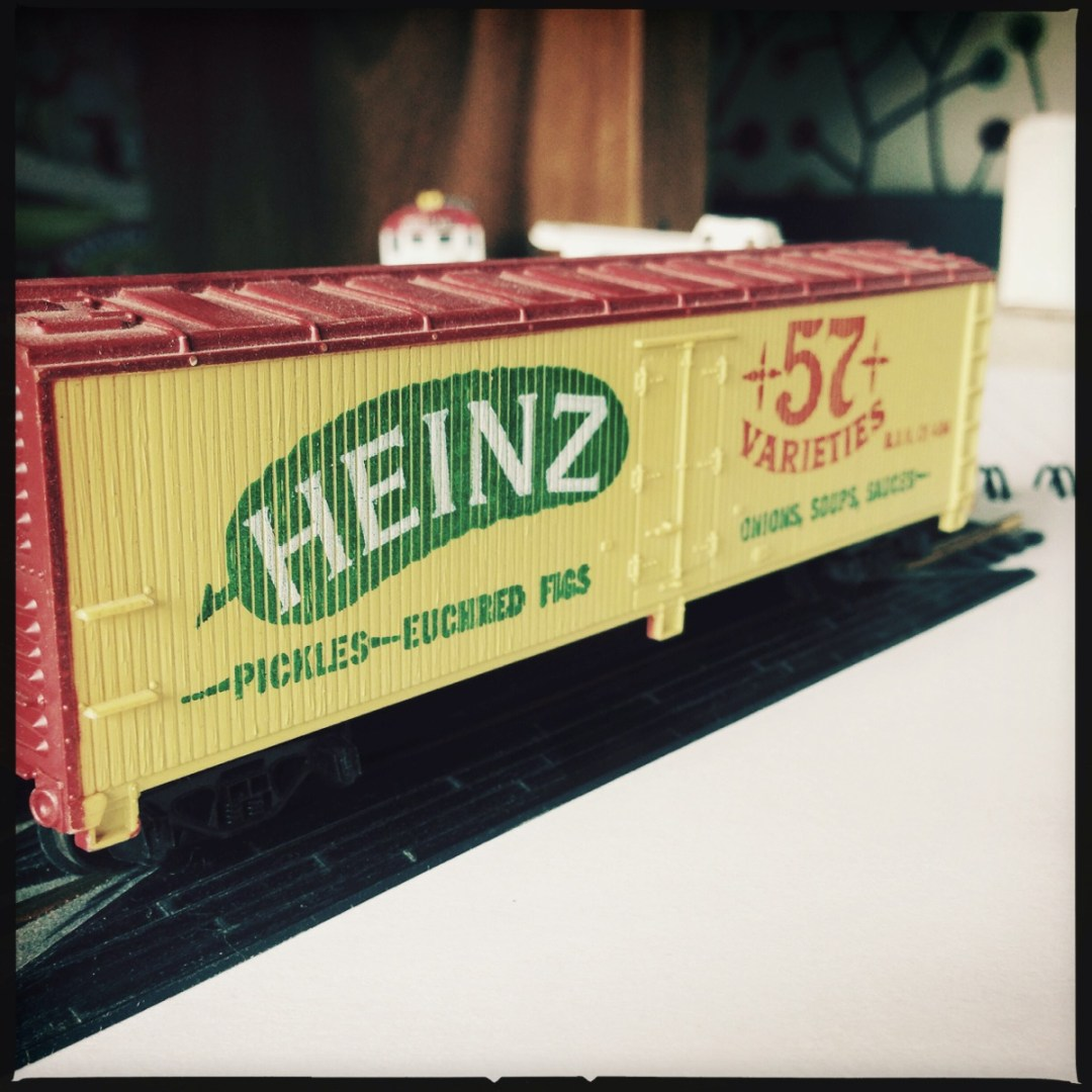 Tyco Bicentennial HO Scale Train Heinz freight rail car by Jon Armstrong for blurbomat.com. Copyright/credit: Jon Armstrong