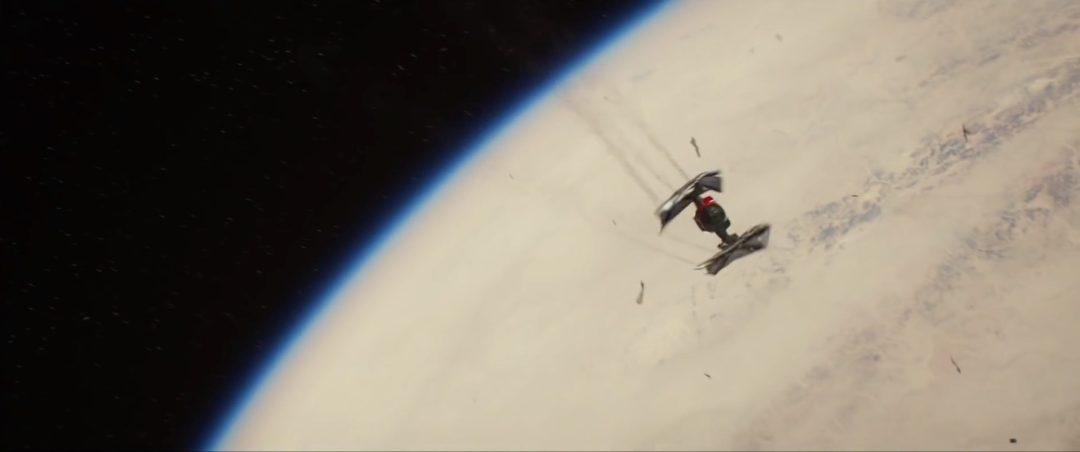 Tie Fighter falling to a desert planet   Blurbomat.com