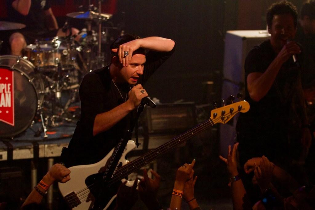 Simple Plan @ Troubadour 10/5/16. Photo by Derrick K. Lee, Esq. (@Methodman13) for www.BlurredCulture.com.
