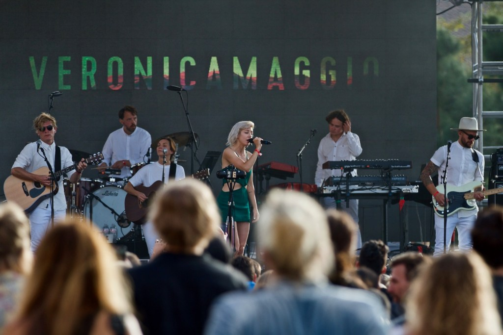 Veronica Maggio @ Stockholm, CA 10/15/16. Photo by Derrick K. Lee, Esq. (@Methodman13) for www.BlurredCulture.com.