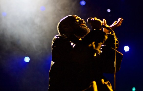 serpentwithfeet @ The Palace Theatre 11/1/16. Photo by Derrick K. Lee, Esq. (@Methodman13) for www.BlurredCulture.com. This photo was obtained under the express authorization and license by Red Bull Media House North America, Inc.
