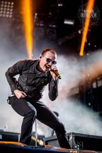 Chester Bennington @ Download Festival France 2017. Photo by Nathan Dobbelaere (@nateconcertphotography). Photo used with permission.