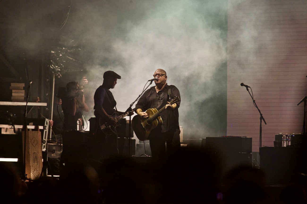The Time Tested Pixies Gave Ohana Fest A Dark Rocking Edge Photos