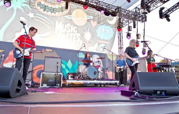 Alvvays at Music Tastes Good 2017 9/30/17. Photo by Derrick K. Lee, Esq. (@Methodman13) for www.BlurredCulture.com.