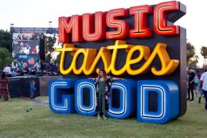 Chhom Nimol of Dengue Fever at Music Tastes Good 2017. Photo by Derrick K. Lee, Esq. (@Methodman13) for www.BlurredCulture.com.