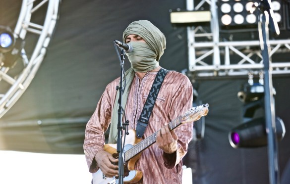 Tinariwen at The Growlers Six 10/28/17. Photo by Derrick K. Lee, Esq. (@Methodman13) for www.BlurredCulture.com.