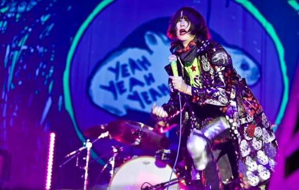 Yeah Yeah Yeahs at The Growlers Six 10/28/17. Photo by Derrick K. Lee, Esq. (@Methodman13) for www.BlurredCulture.com.