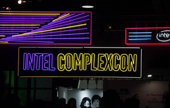 COMPLEXCON @ Long Beach Convention Center 11/4/17 - 11/5/17. Photo by Markie Escalante (@Markie818) for www.BlurredCulture.com.