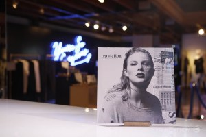 """reputation"" Pop-Up by Taylor Swift NOW @ Third Street Promenade 12/15/17. Photo courtesy of AT&T and Taylor Swift Now. Used with permission."