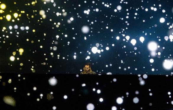 Zedd @ SnowGlobe 2017. Photo by Ghanee Ludin (@GhaneePhoto) for www.BlurredCulture.com.