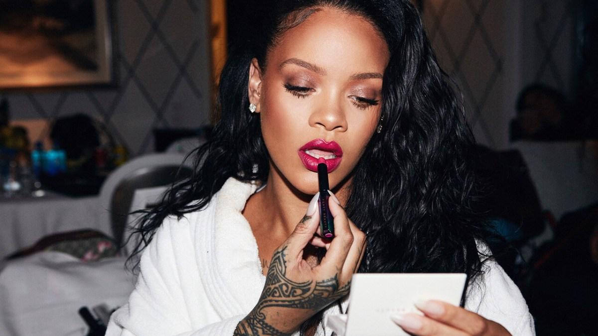 PornHub Honors Rihanna's Birthday & RiRi Loves It…