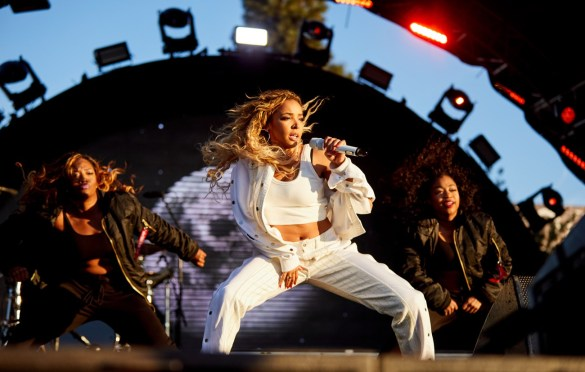 Tinashe @ Air + Style 3/4/18. Photo courtesy of Air + Style. Used with permission.