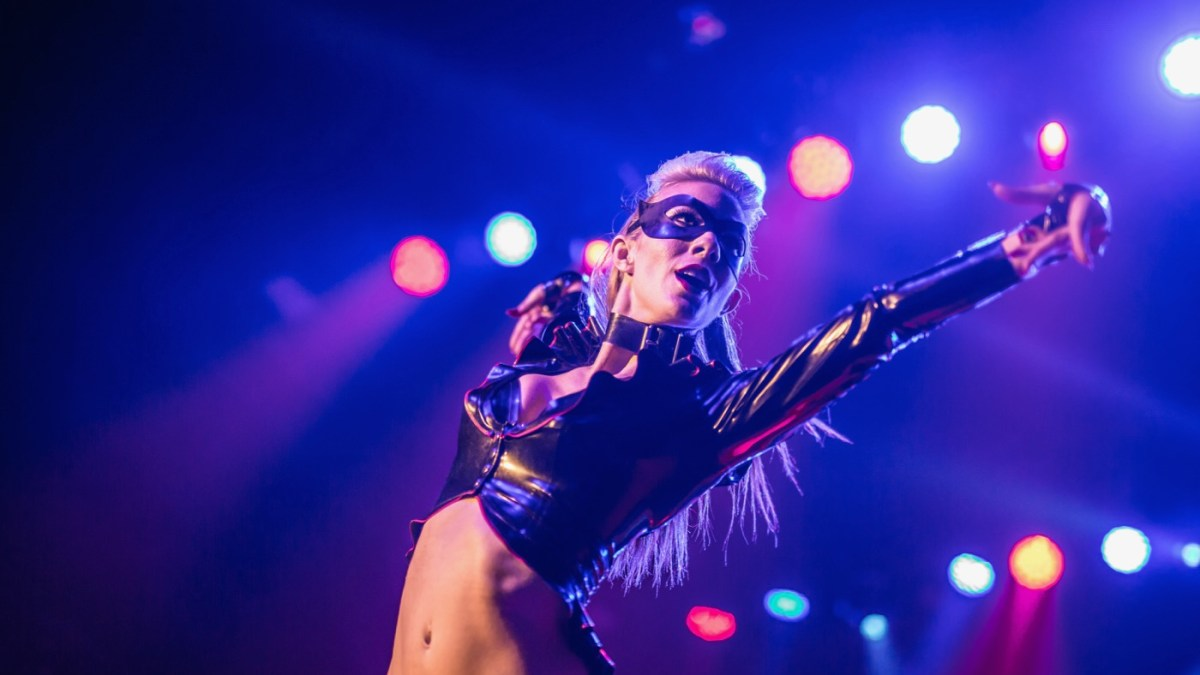 "Donna Hood Debuted ""Body Like A Batmobile"" At Lucha Vavoom"