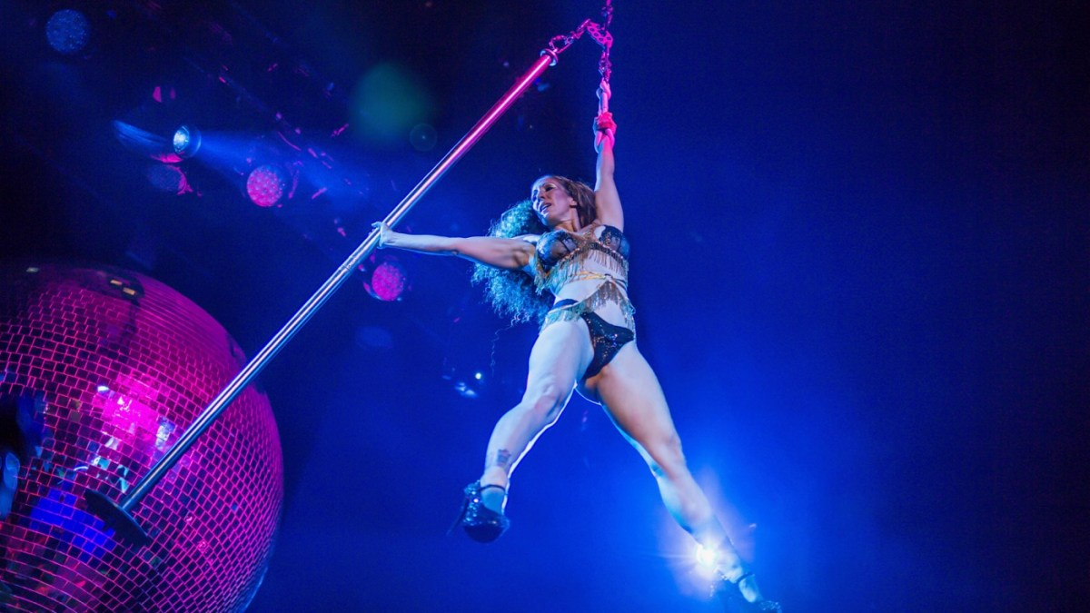 Leigh Acosta's Ariel Pole Dance Quickened Lucha Vavoom's Pulse
