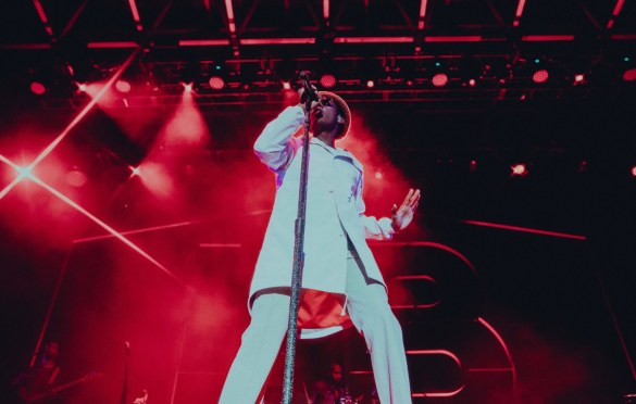 Leon Bridges @ Echo Beach 9/27/18. Photo by Jackson Fleming (@JacksonHFleming) for www.BlurredCulture.com.