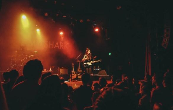Amy Shark @ The El Rey 10/2/18. Photo by Rachel Ann Cauilan (@Rachelcansea) for www.BlurredCulture.com.