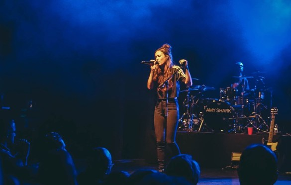 Amy Shark @ The El Rey 10/2/18. Photo by Rachel Ann Cauilan (@Rachelcansea) for www.BlurredCulture.com.