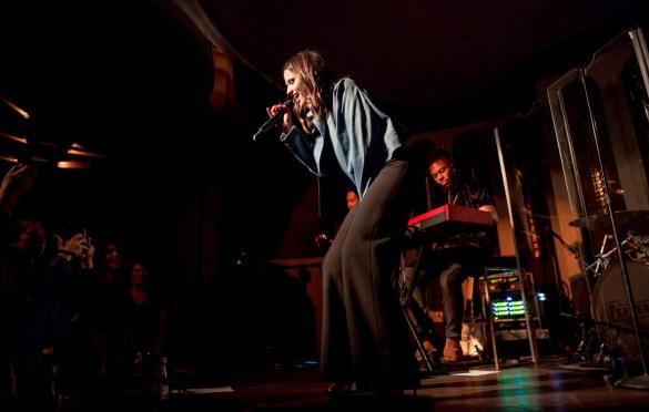Rozzi @ Peppermint Club 11/15/18. Photo by Derrick K. Lee, Esq. (@Methodman13) for www.BlurredCulture.com.