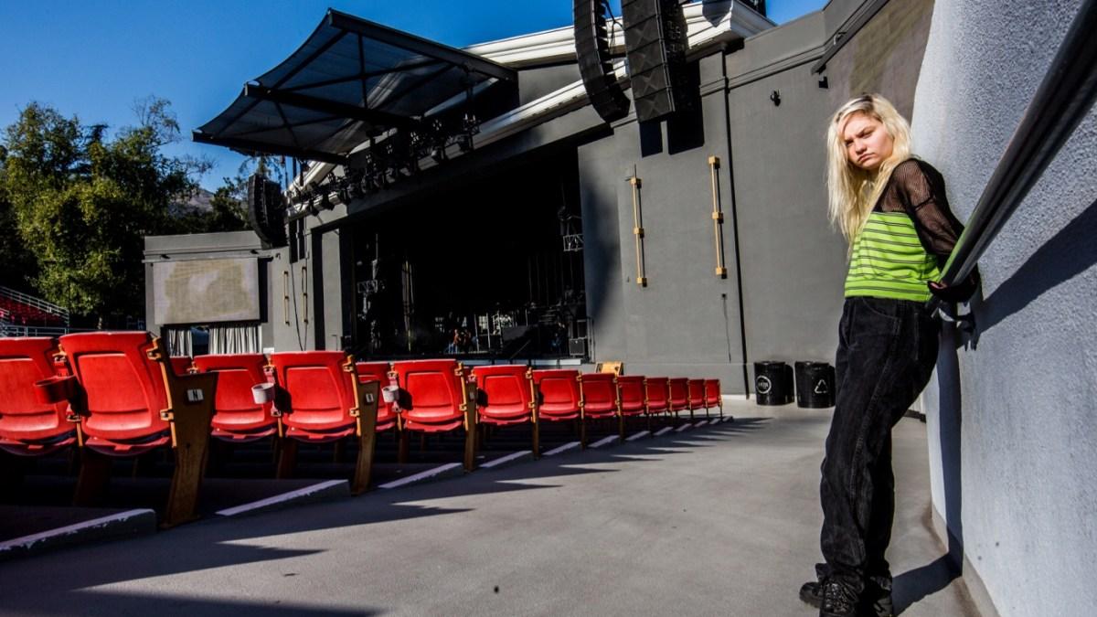 Carlie Hanson (Portrait) @ Greek Theatre 10/30/18. Photo by Derrick K. Lee, Esq. (@Methodman13) for www.BlurredCulture.com.