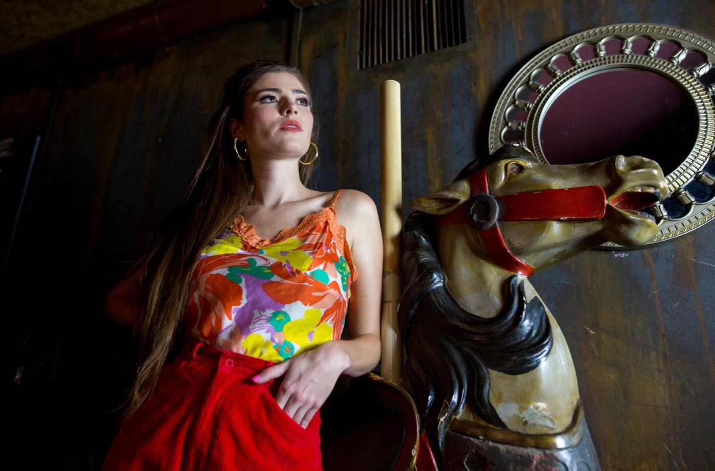 Honeycraft, Portrait @ Madame Siam 11/17/18. Photo by Derrick K. Lee, Esq. (@Methodman13) for www.BlurredCulture.com.