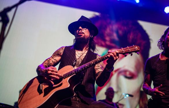 Dave Navarro, Above Ground @ Fonda Theatre 9/16/19. Photo by Derrick K. Lee, Esq. (@Methodman13) for www.BlurredCulture.com.