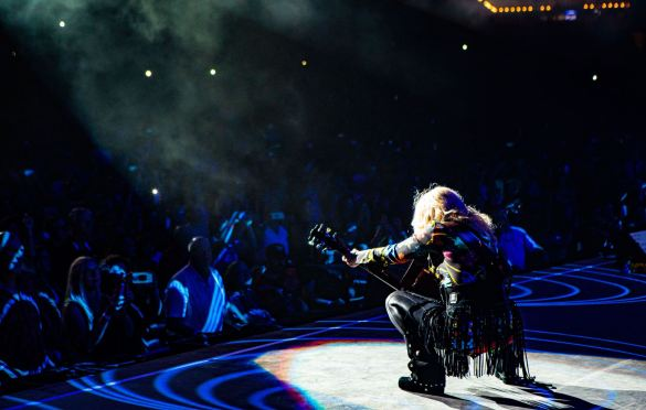 Heart on the Love Alive Tour. Photo by Kimberly Adamis. Courtesy of the artist. Used with permission.