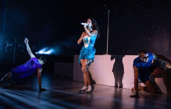 MARINA @ Greek Theatre 10/4/19. Photo by Derrick K. Lee, Esq. (@Methodman13) for www.BlurredCulture.com.