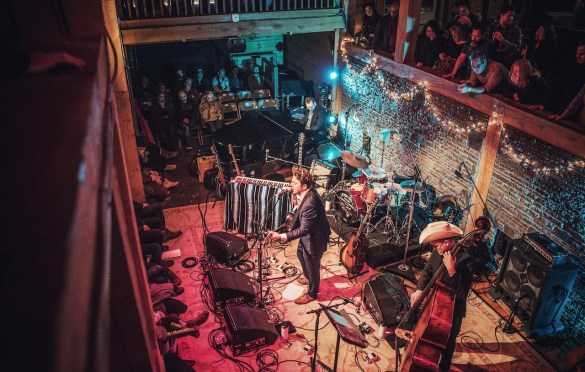 Joe Pug @ Levon Helm Studios 2/7/20. Photo by Vivian Wang (@Lithophyte) for www.BlurredCulture.com.