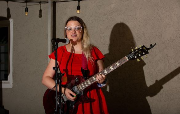 Kat Hamilton at LA Music Scene Private Party 8/28/21. Photo by Derrick K. Lee, Esq. (@Methodman13) for www.BlurredCulture.com.