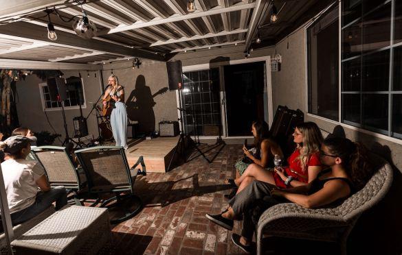 Talker at LA Music Scene Private Party 8/28/21. Photo by Derrick K. Lee, Esq. (@Methodman13) for www.BlurredCulture.com.