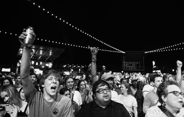 Crowd Shot for Wilco at Summerfest (Milwaukee) 9/10/21. Photo by Vivian Wang (@lithophyte) for www.BlurredCulture.com.