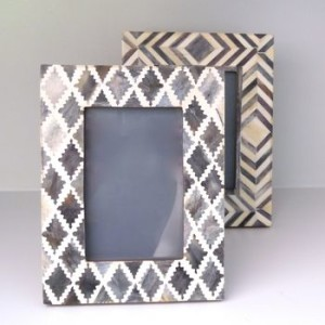 normal_panelled-bone-grey-photo-frame