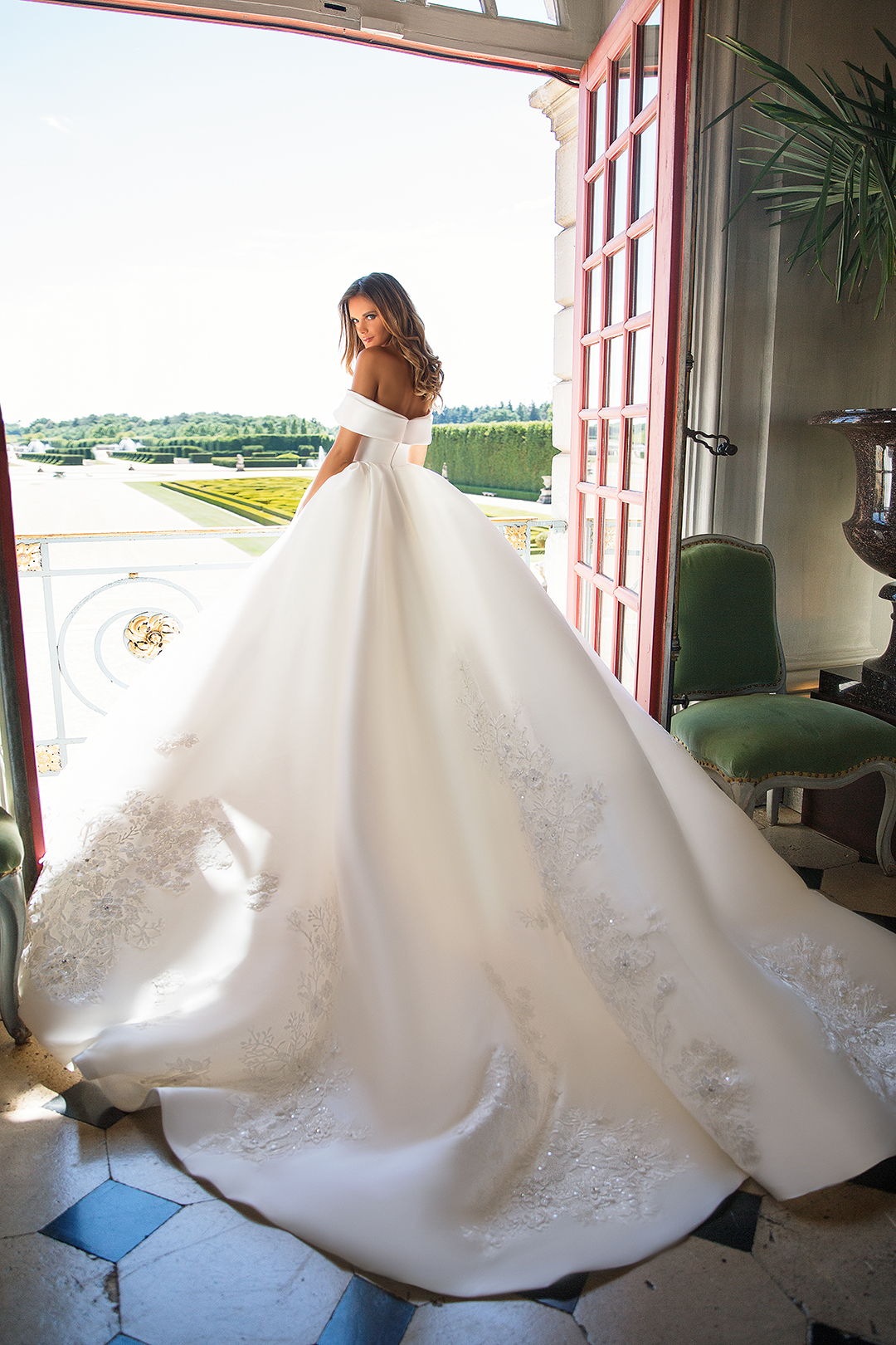 Blushing Bridal Boutique ,MillaNova, Virginia, once in the palacelace tulle-haute couture-illusion-bridal-wedding-wedding gown-woodbridge-vaughan-mississauga-toronto-gta-ontario-canada-Montreal-NYC-Buffalo