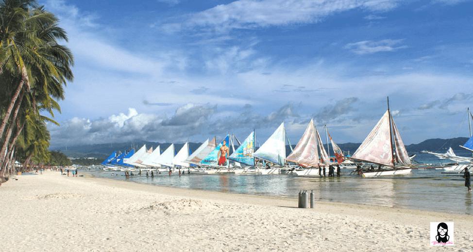 Spending Summer in Boracay Island   Blushing Geek