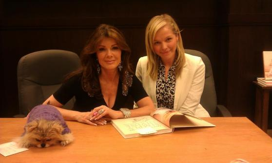 lisa-vanderpump-giggy-book-signing
