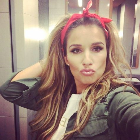 Jessie James Decker in a classic red bandana