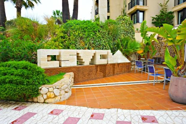 """A closer look at the """"Estela"""" statue/sign"""