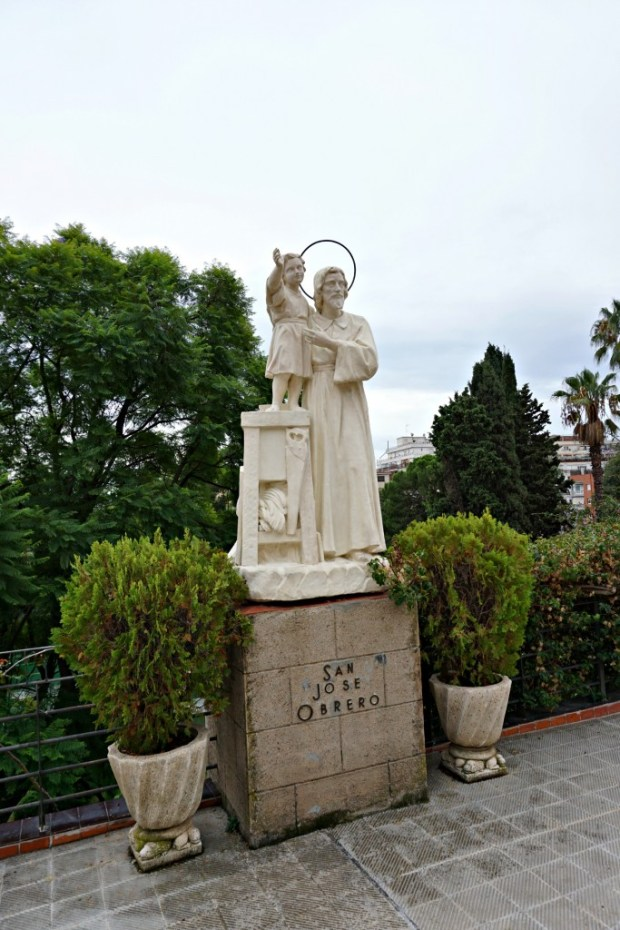 san-jose-obrero-sculpture