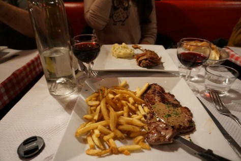 aux-artistes-steak-frites-duck