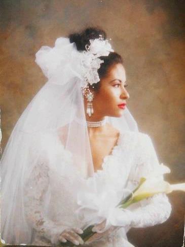 selena-wedding-dress