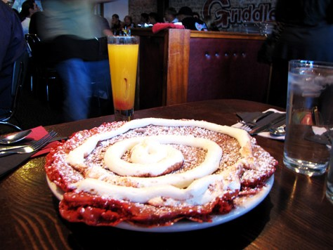 the-griddle-cafe-red-velvet-pancakes