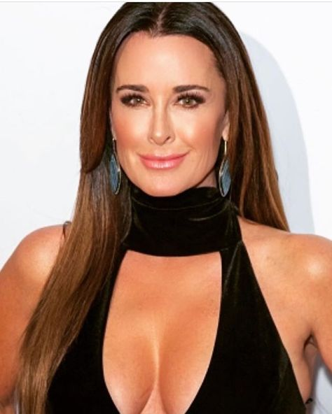 A stunning look by Kyle Richards makeup artist Pamela Brogardi. Photo @glambypamelab on Instagram.