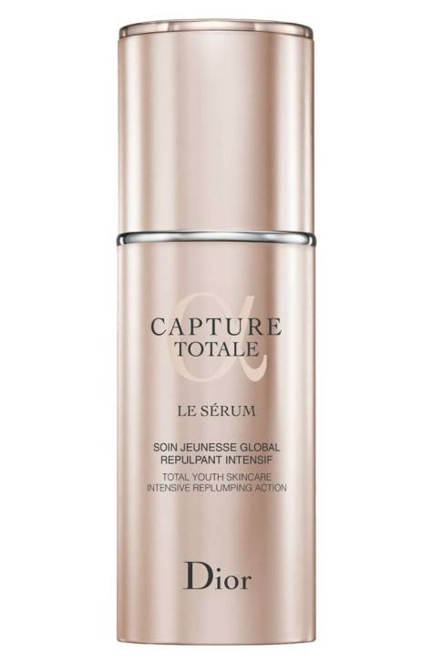 Dior Capture Totale Le Serum hydrates and plumps the skin so it's ready for a smooth makeup application.